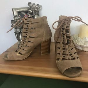 Rampage Taupe Peep Toe Lace Up Heels Sz 7.5